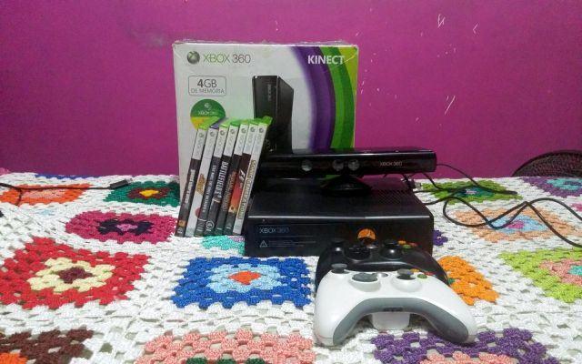 venda Xbox 360 Slim 4GB com Kinect e 07 Jogos