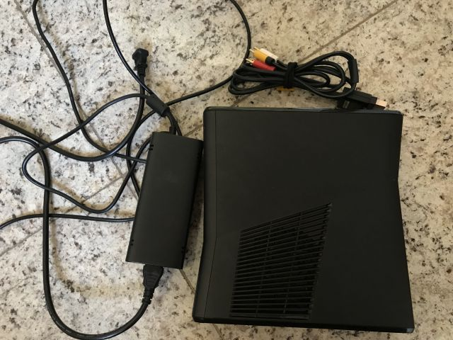 Xbox 360 desbloqueado com mais de 30 jogos