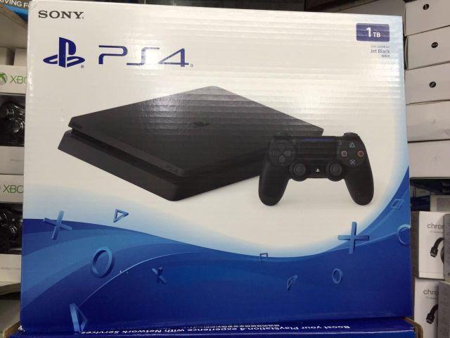 Playstaytion 4 Slim 1 TB lacrado
