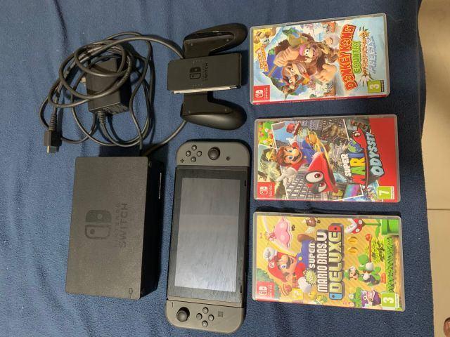 Nintendo Switch + 03 Cartuchos