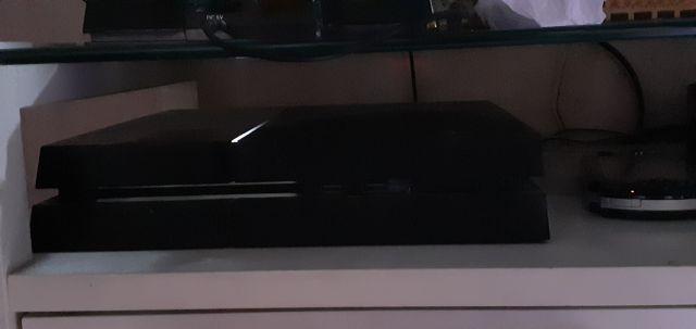 venda Playstation 4 + 1 Controle + 3 jogos