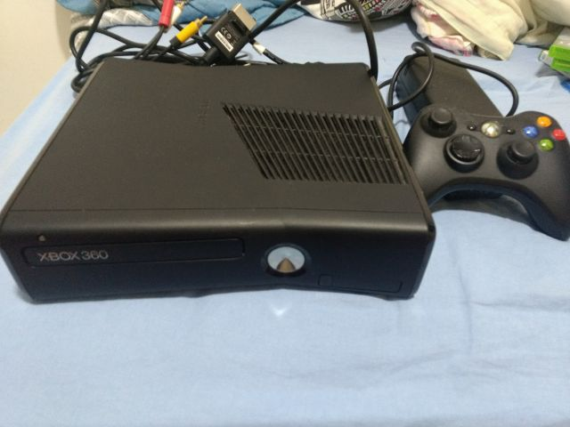 venda Xbox 360 + HD 250gb + 3 Jogos Originais