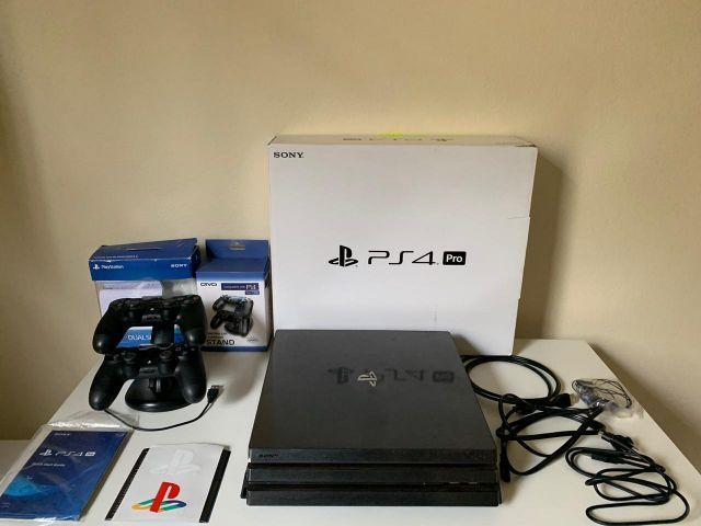 venda PS4 Pro 7215B